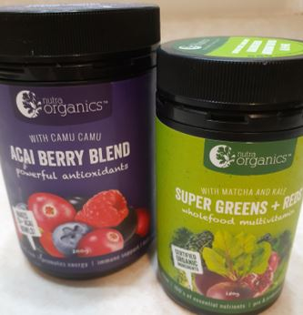 Powdered berry and vegetable supplements